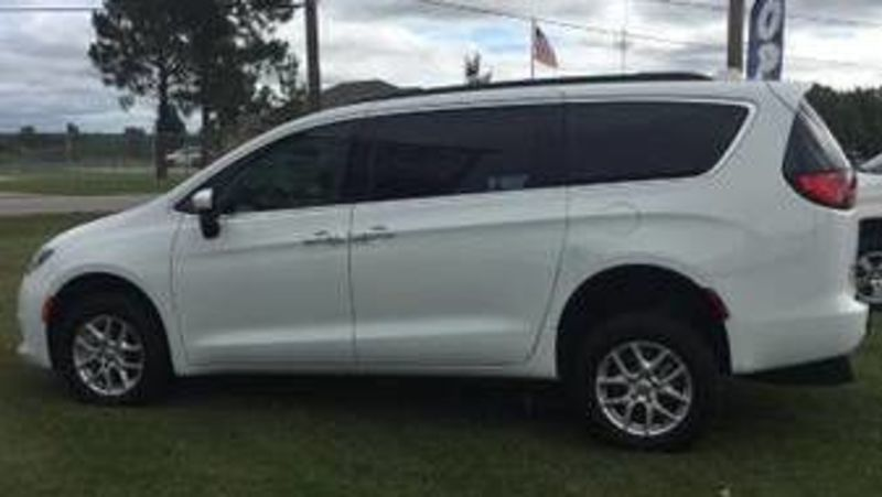 Used 2017 Chrysler Pacifica.  ConversionPlease See Description
