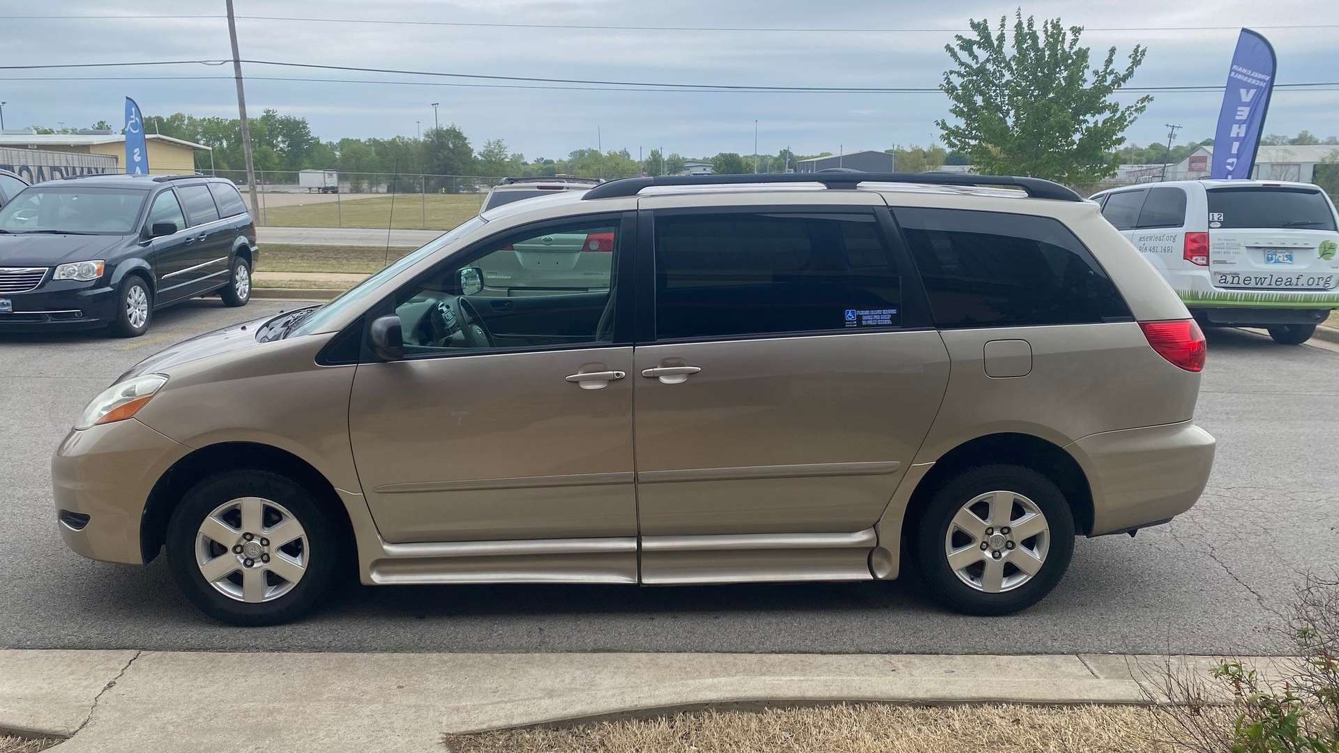2007 Toyota Sienna | Conversion: